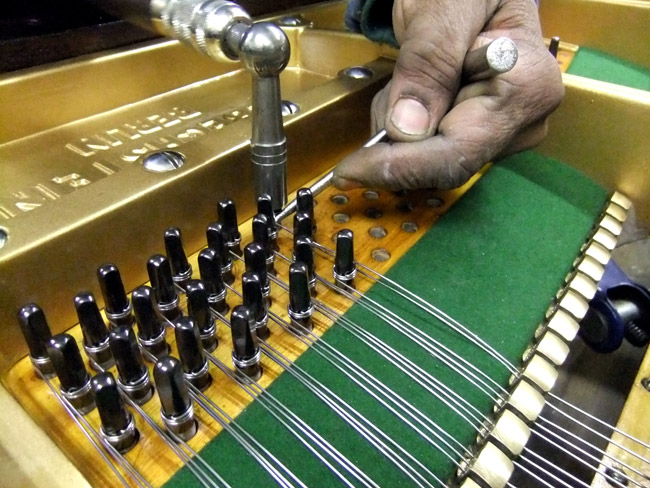 Re-stringing grand piano - detail